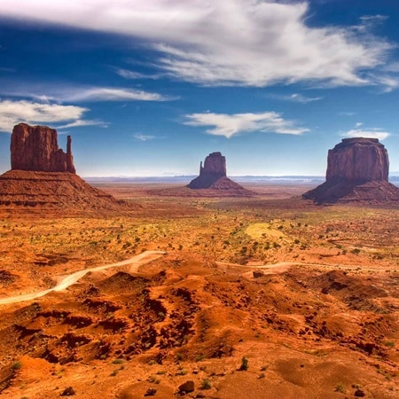 USA MonumentValley 2016 R 108223026 Discoveries